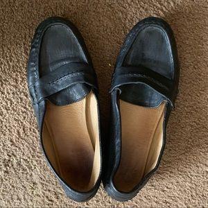 Frye black leather loafer